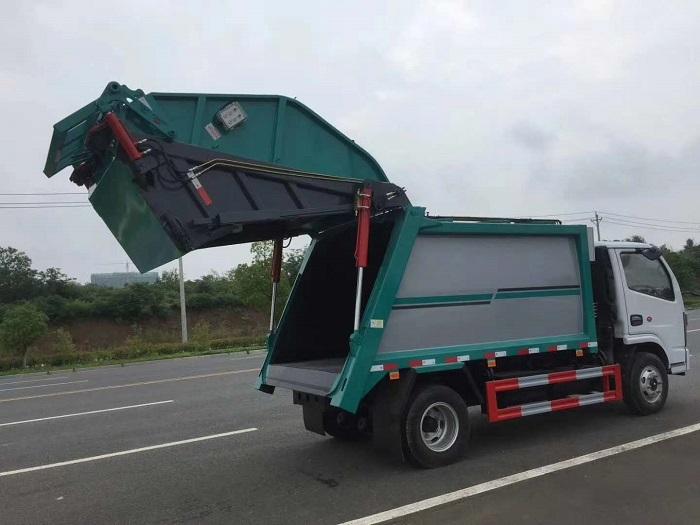 国六东风D6压缩式垃圾车图片五