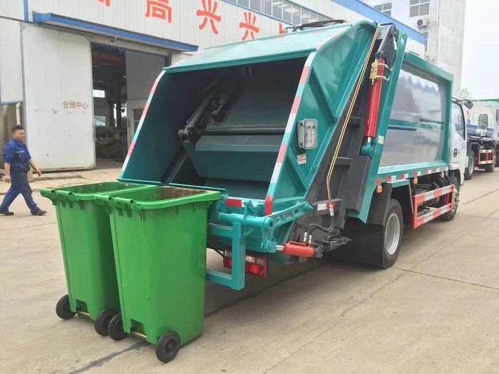 国六东风D6压缩式垃圾车图片六