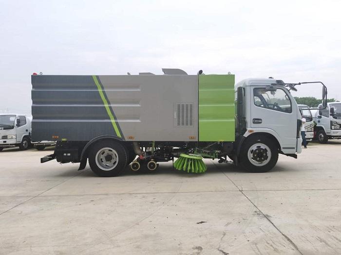 东风福瑞卡8吨洗扫车