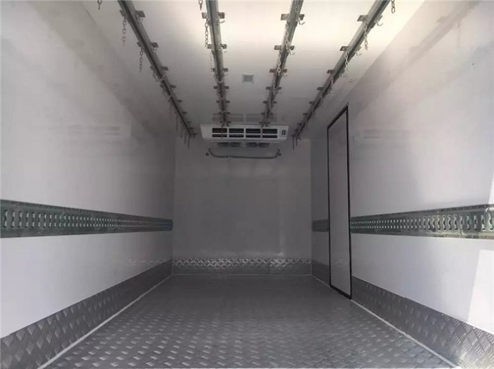冷藏车拦腰护板图片三